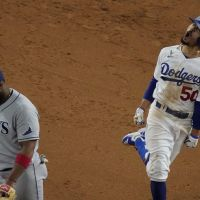 5 reasons why Dodgers outfielder Mookie Betts is NICE.
