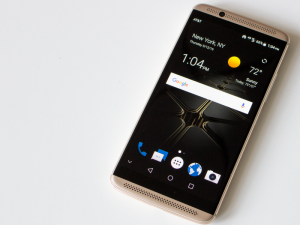 ZTE Axon 7 Long-Term Review: Critics Still Recommend Buying This